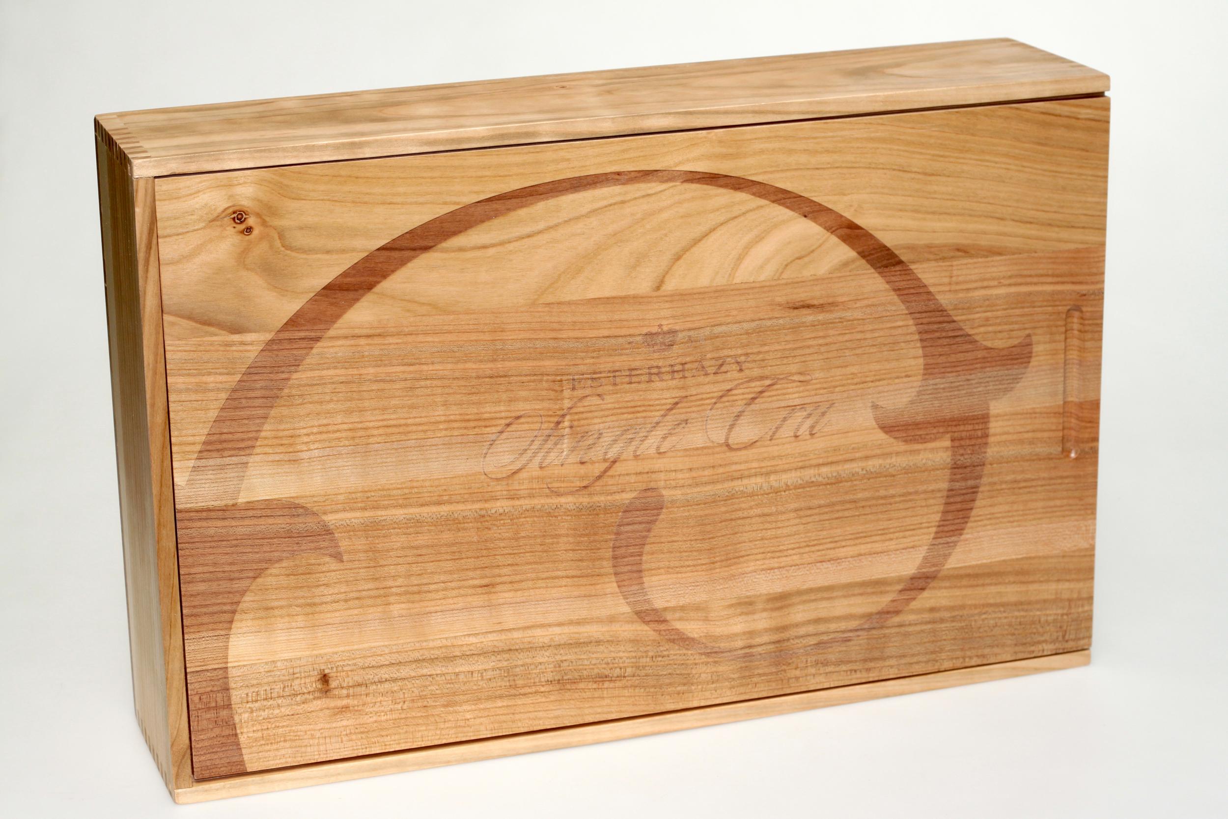 Holzkiste mit Schiebedeckel