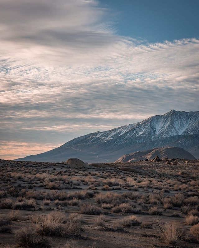 Sierra sunrises may be some of the best in the world🌄 . . . . . #Alabamahills #gramslayers #igtravel #roadtrippers #lonelyplanet #roadtrip #instagood #travel #natgeo #worldtravelbook #exploretocreate #travelstoke #theoutbound #exploreeverything #camplife #seekthesimplicity #travelphotography #vanlife #nationalparks #allaboutadventure #roadtripusa #visualsoflife #travelgram #peoplescreatives #havecamerawilltravel #travelphotography #instatravel #awakethesoul #optoutside #instago