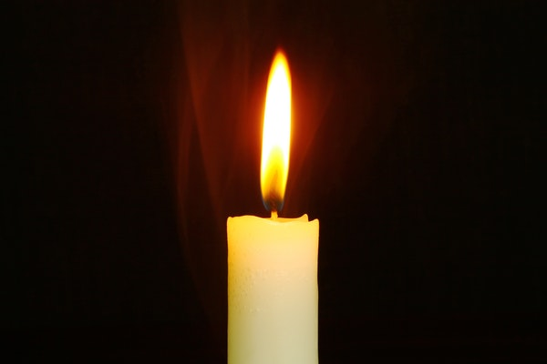 Candle burning-278823.jpg
