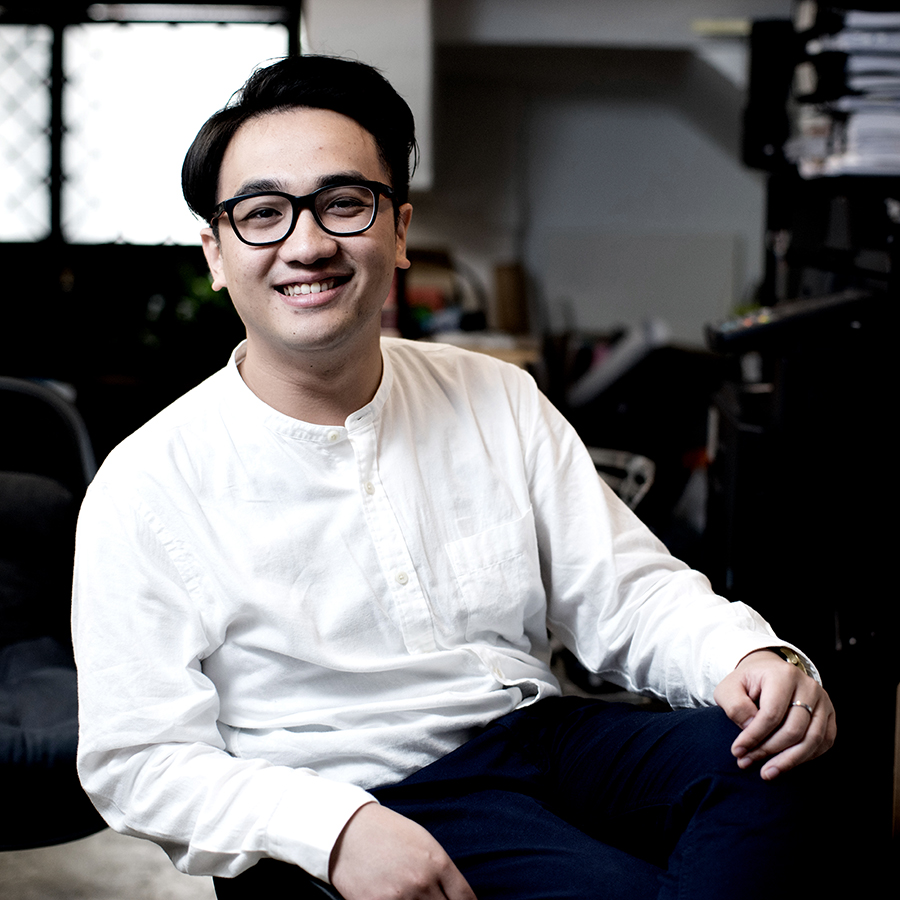 Lung Mak  Trained in Australia as an architect, Lung handles all intertwining processes of a project as if he was preparing a Thanksgiving feast. Though allergic to octopus, Lung is the best chef in the team, or even probably the friendliest one.