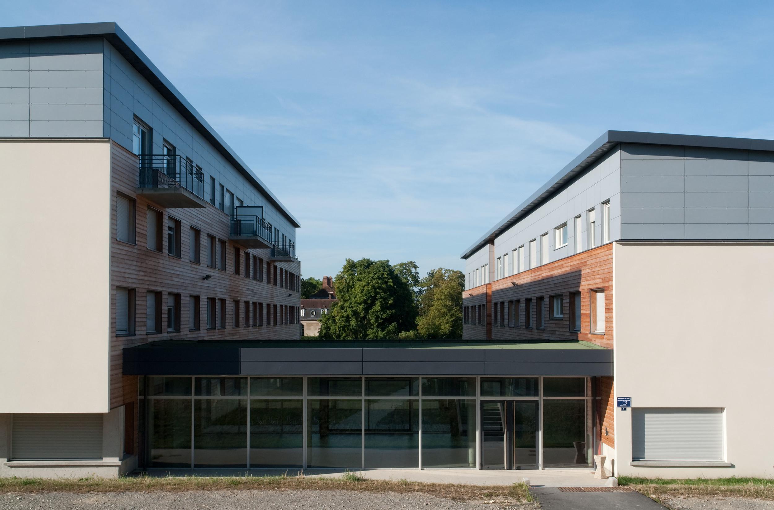 Compiègne -Résidence étudiants -Crous   Façade entrée