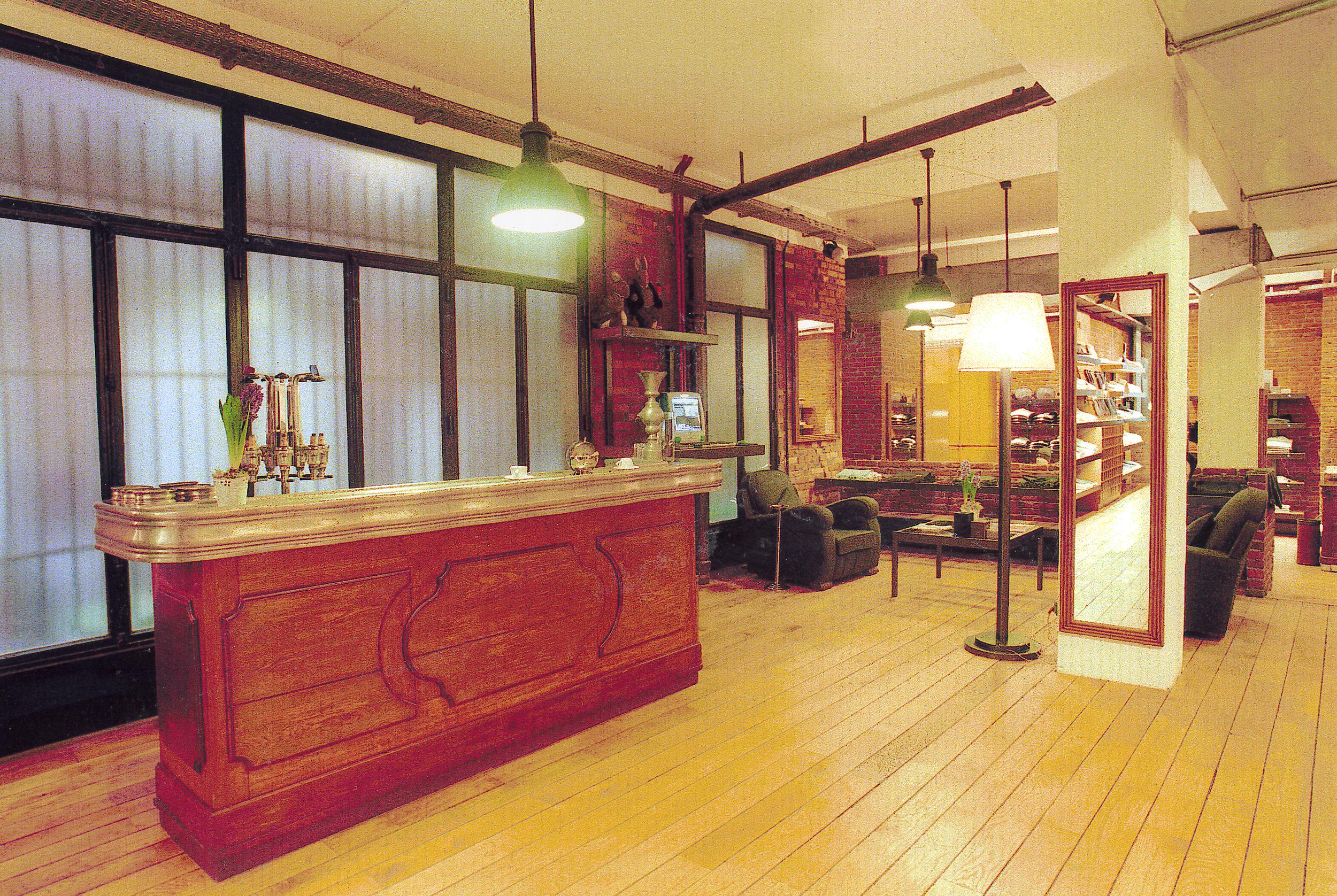 Magasin Loft design by... - Paris   Magasin Loft rue St Honoré