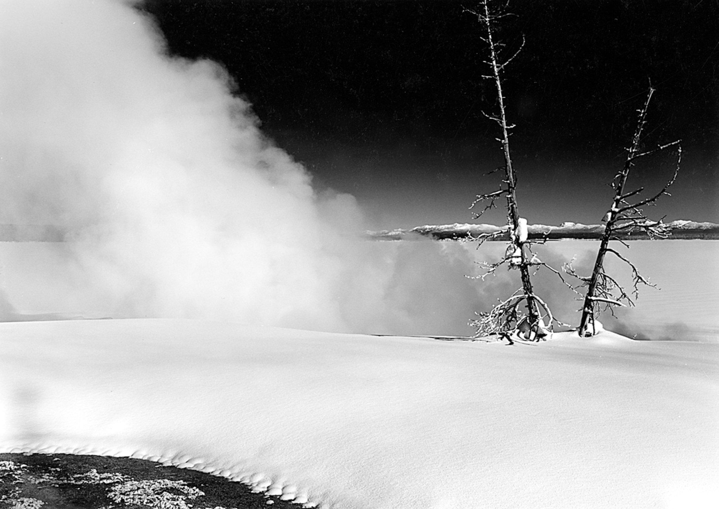 West Thumb, Geyser Basin Yellowstone Lake, Wyoming