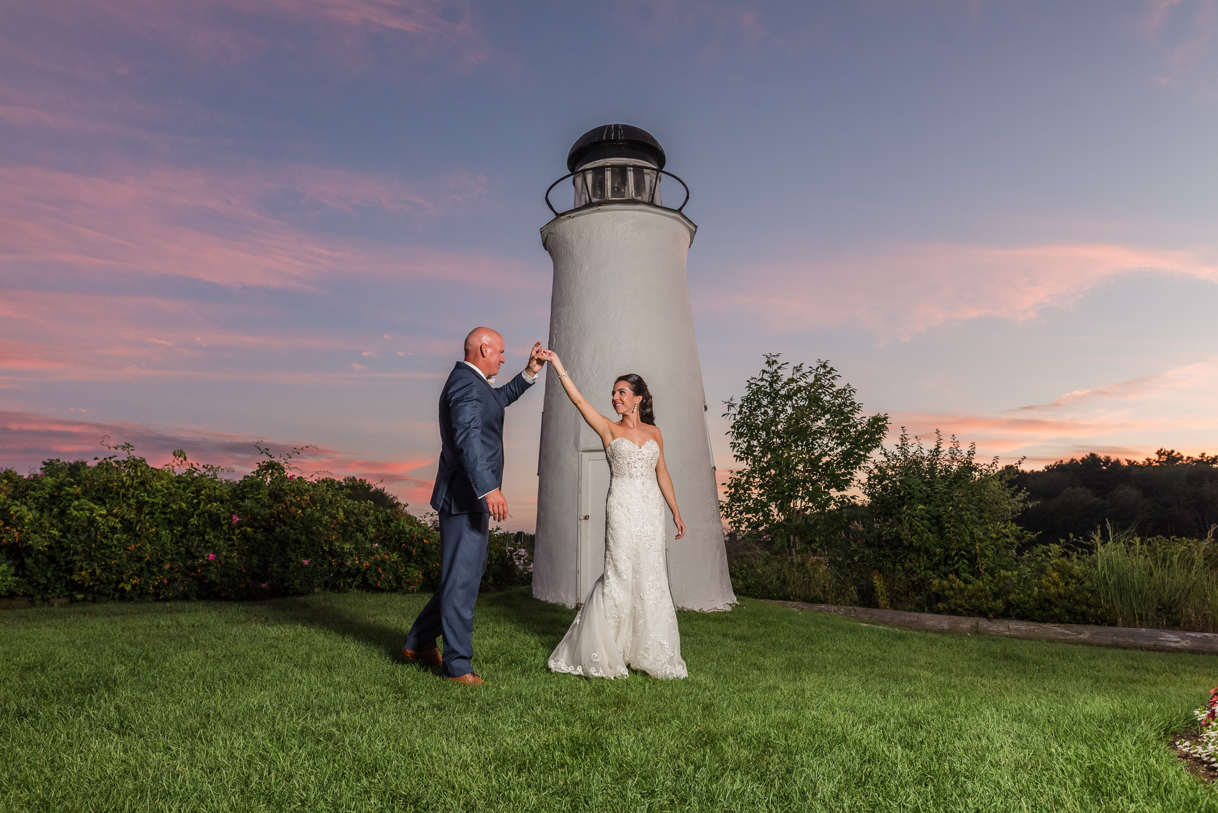 New England Lighthouse Couple | Mike Sears Photography