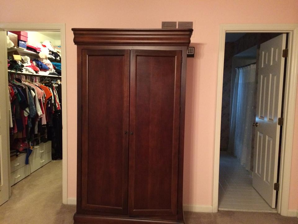 Master Bedroom wall with closet and bathroom entrance