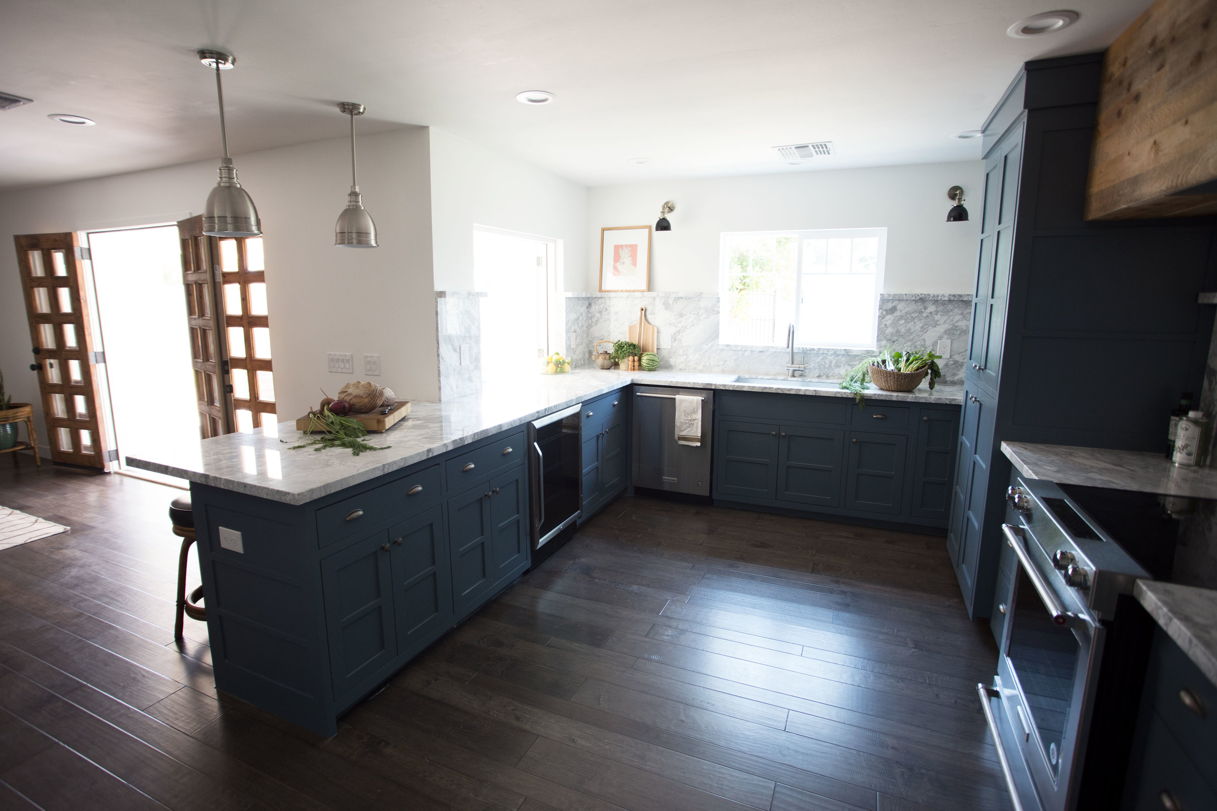 Clarendon Custom Kitchen With Bar Window