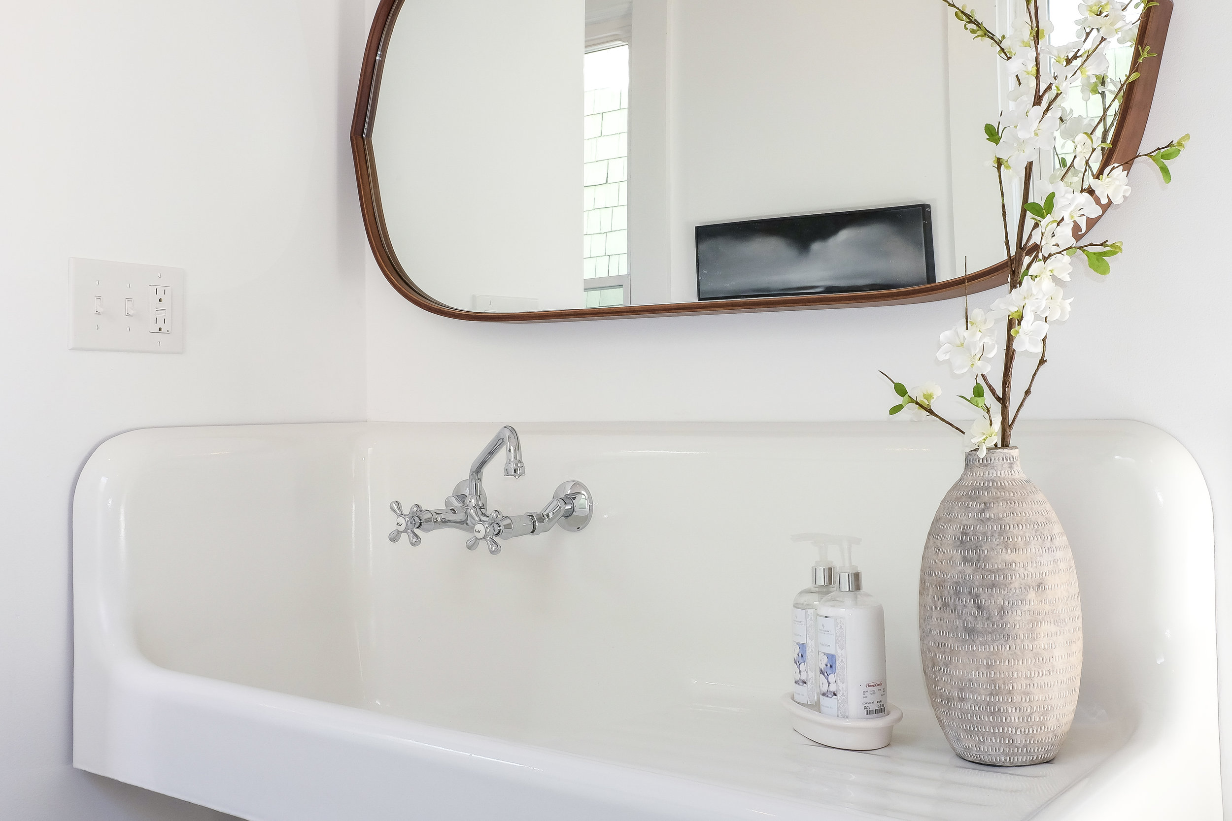 Farmhouse Sink Salvaged with reglazing