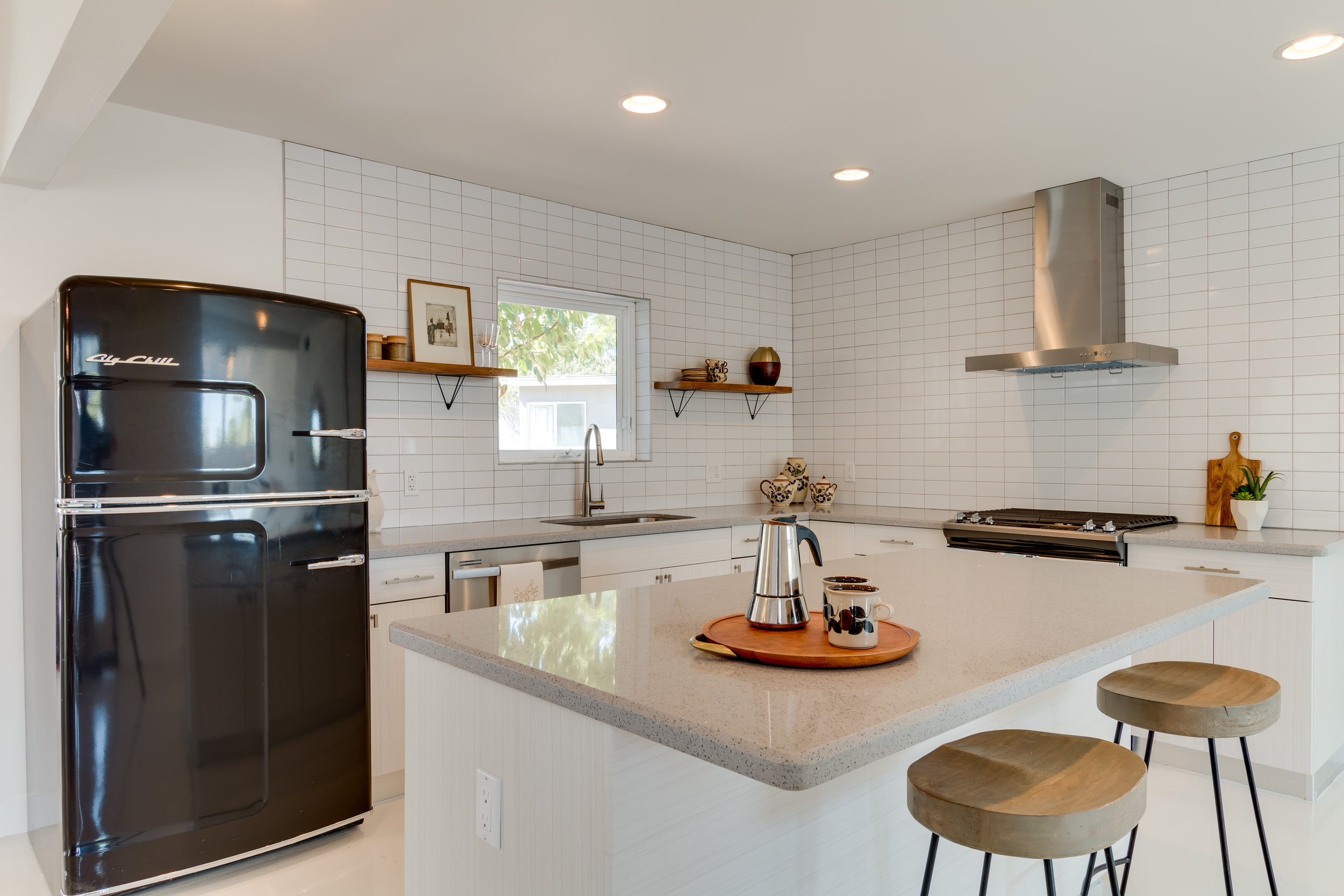 72nd Kitchen Diagonal.JPG