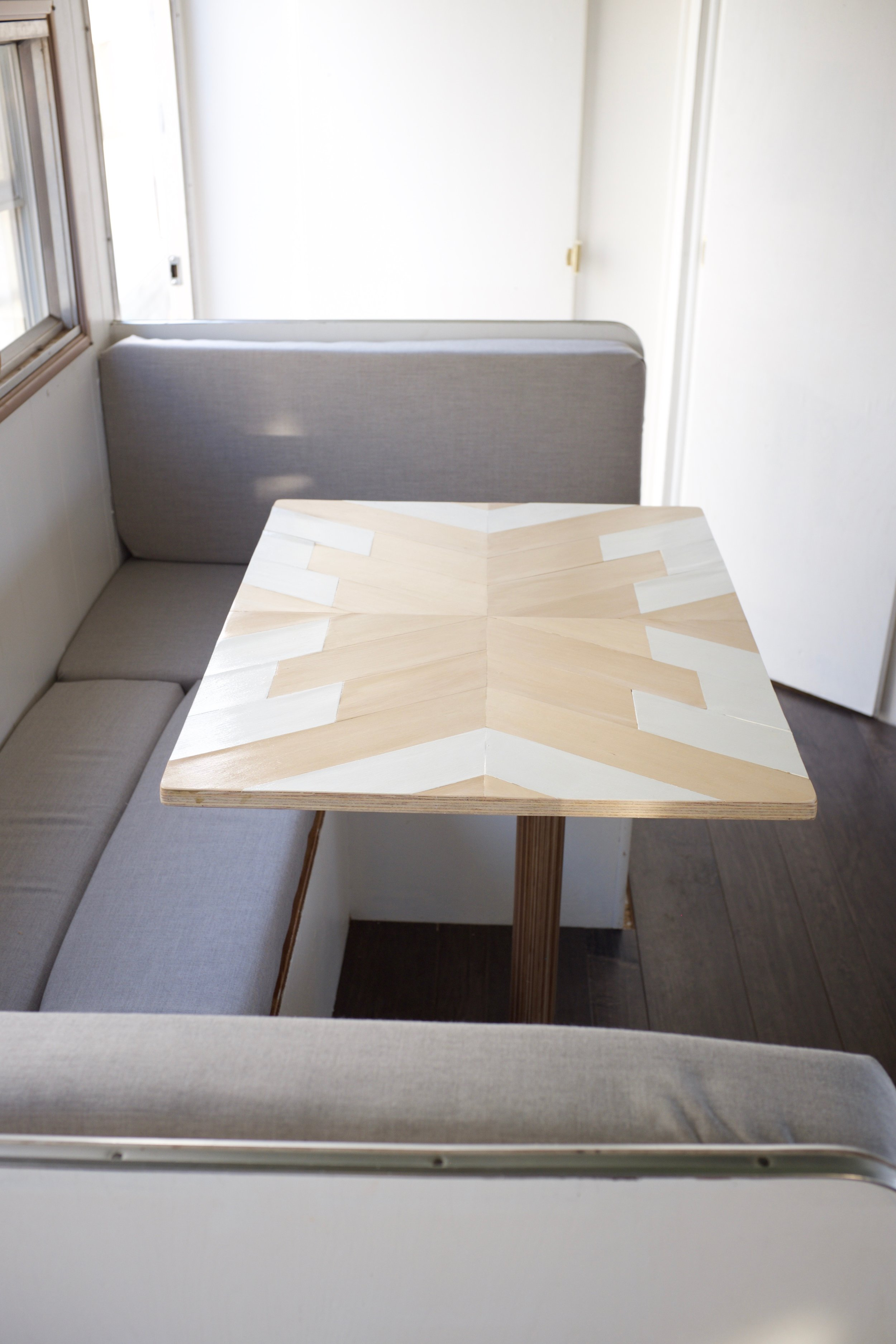 New camper geometric table