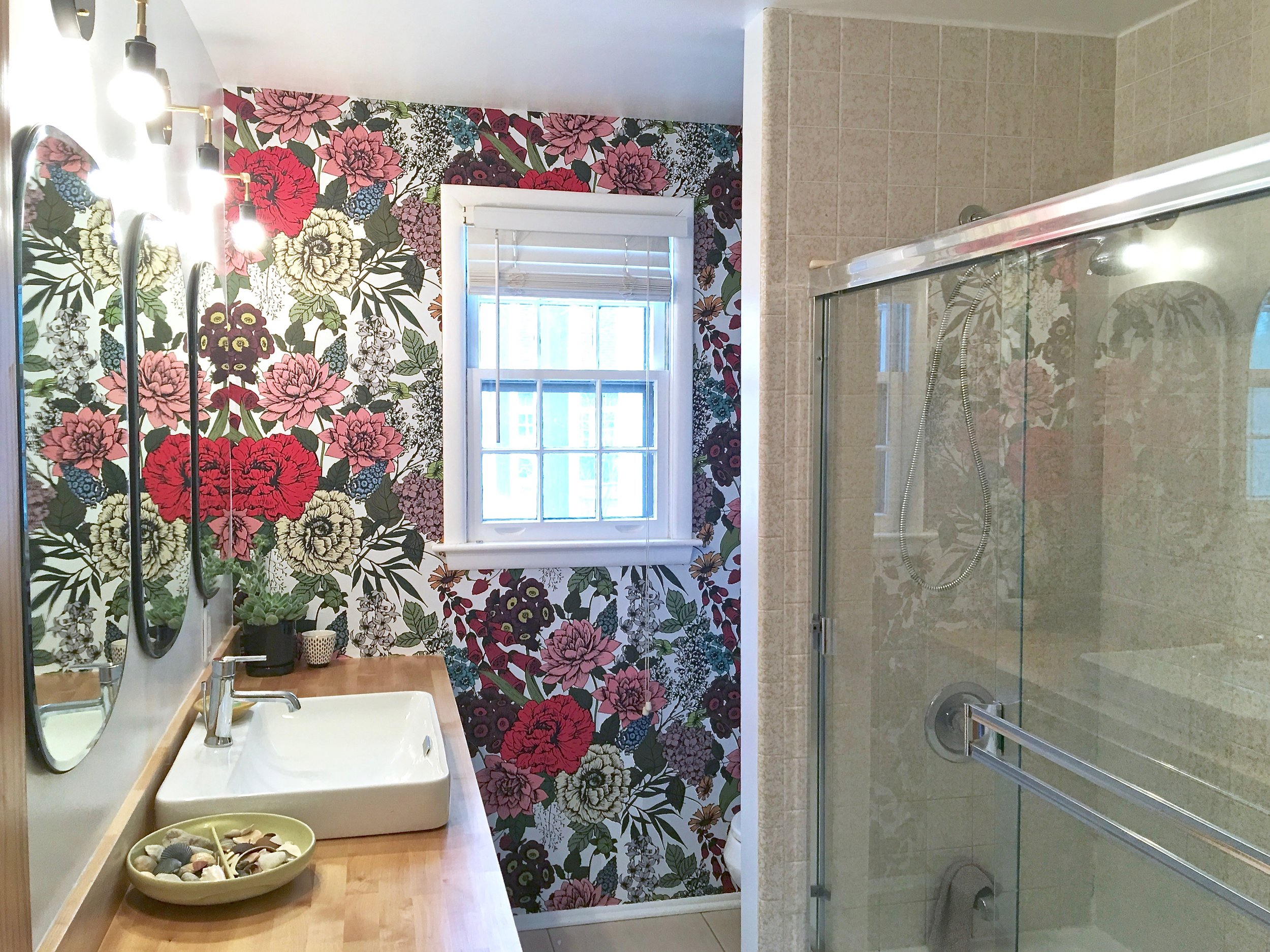 Floral Wallpaper Bathroom