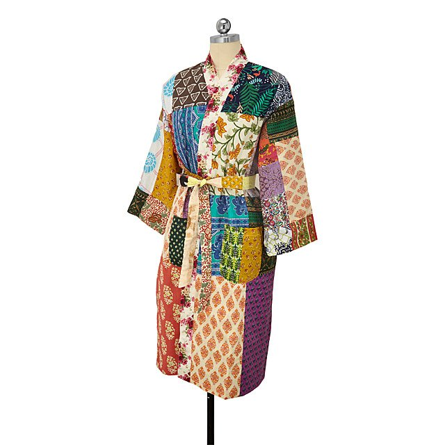 FlippinWendy Gift Guide 2018 Robe.jpg