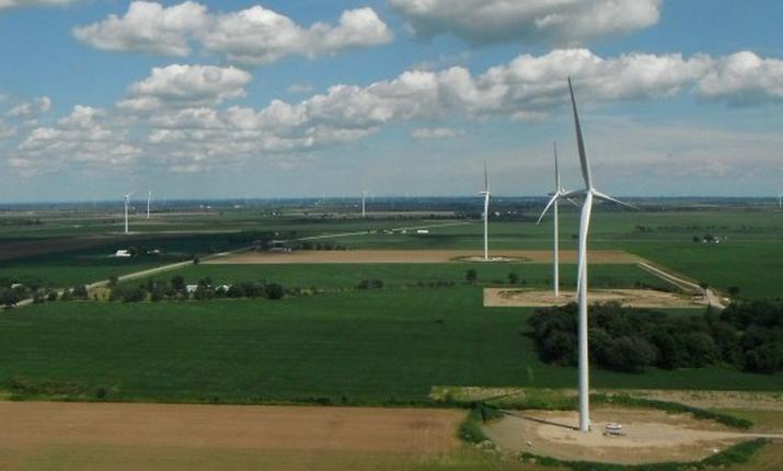 South Kent Windfarm, Ontario. By: ReNews
