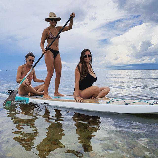 So easy to paddle, bring your friends! #roybikini #aquinnah #marthasvineyardstanduppaddle