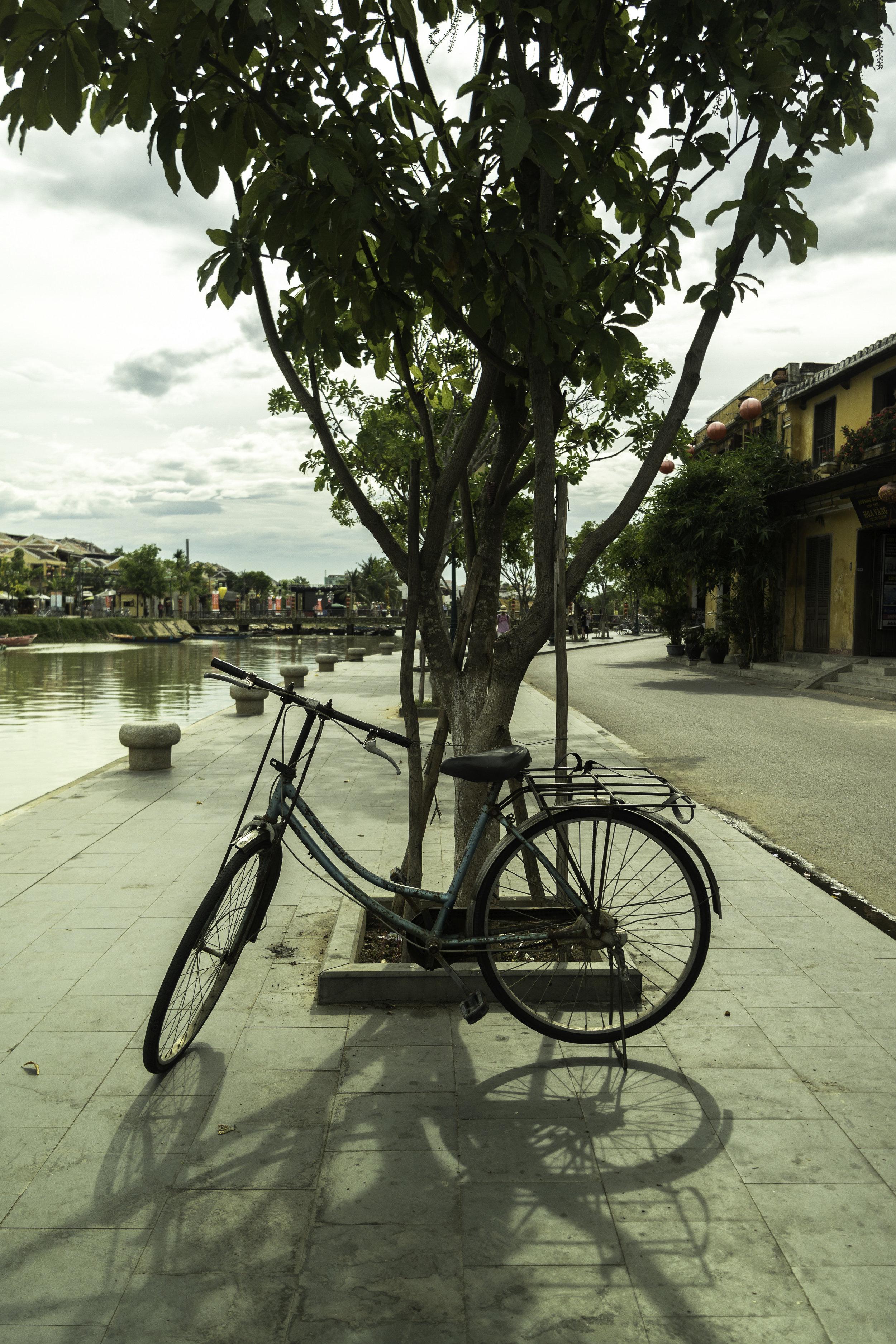 A-lonely-bike-Hoi-An-Vietnam.jpg