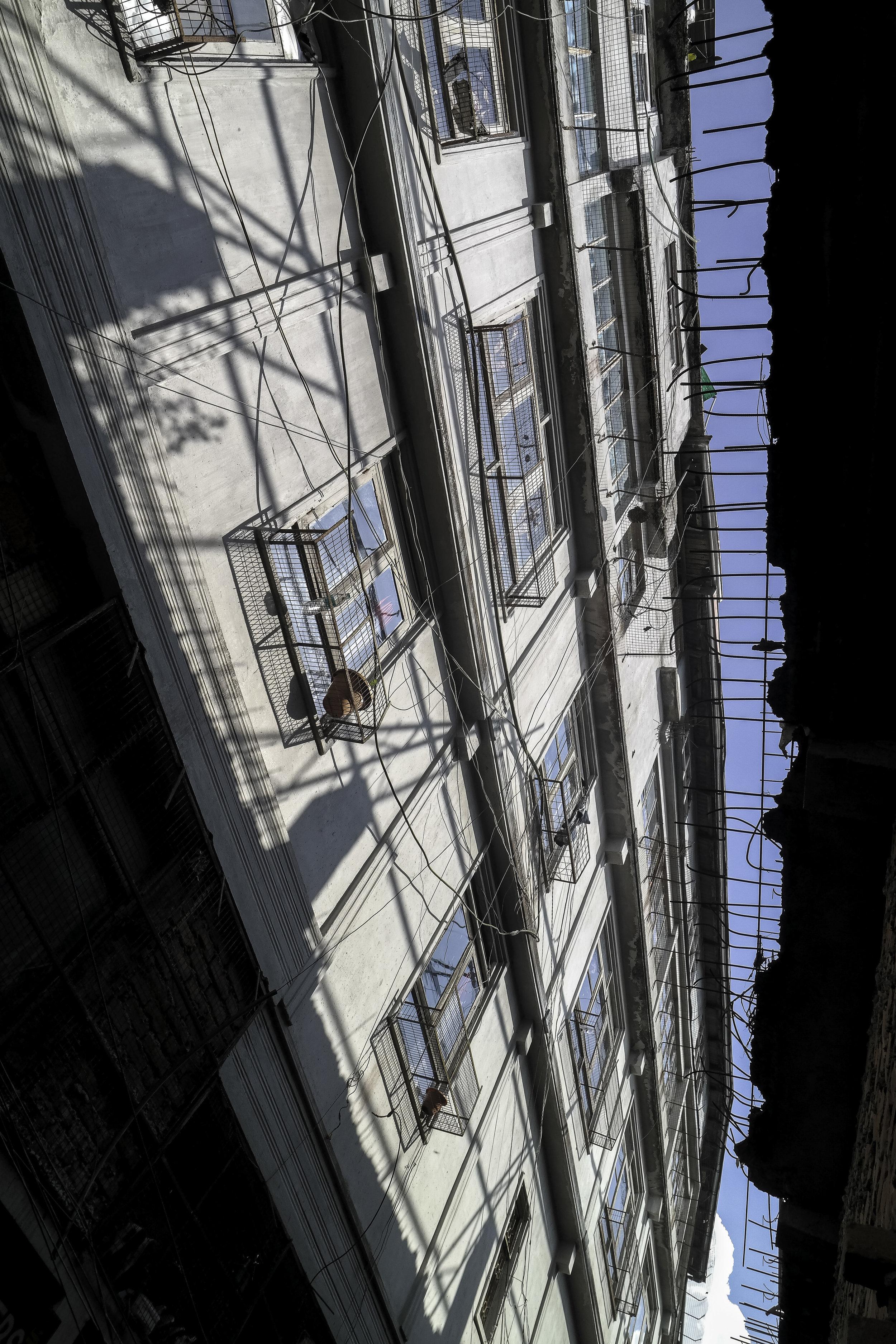 Blue-sky-white-building-Darjeelin-India.jpg