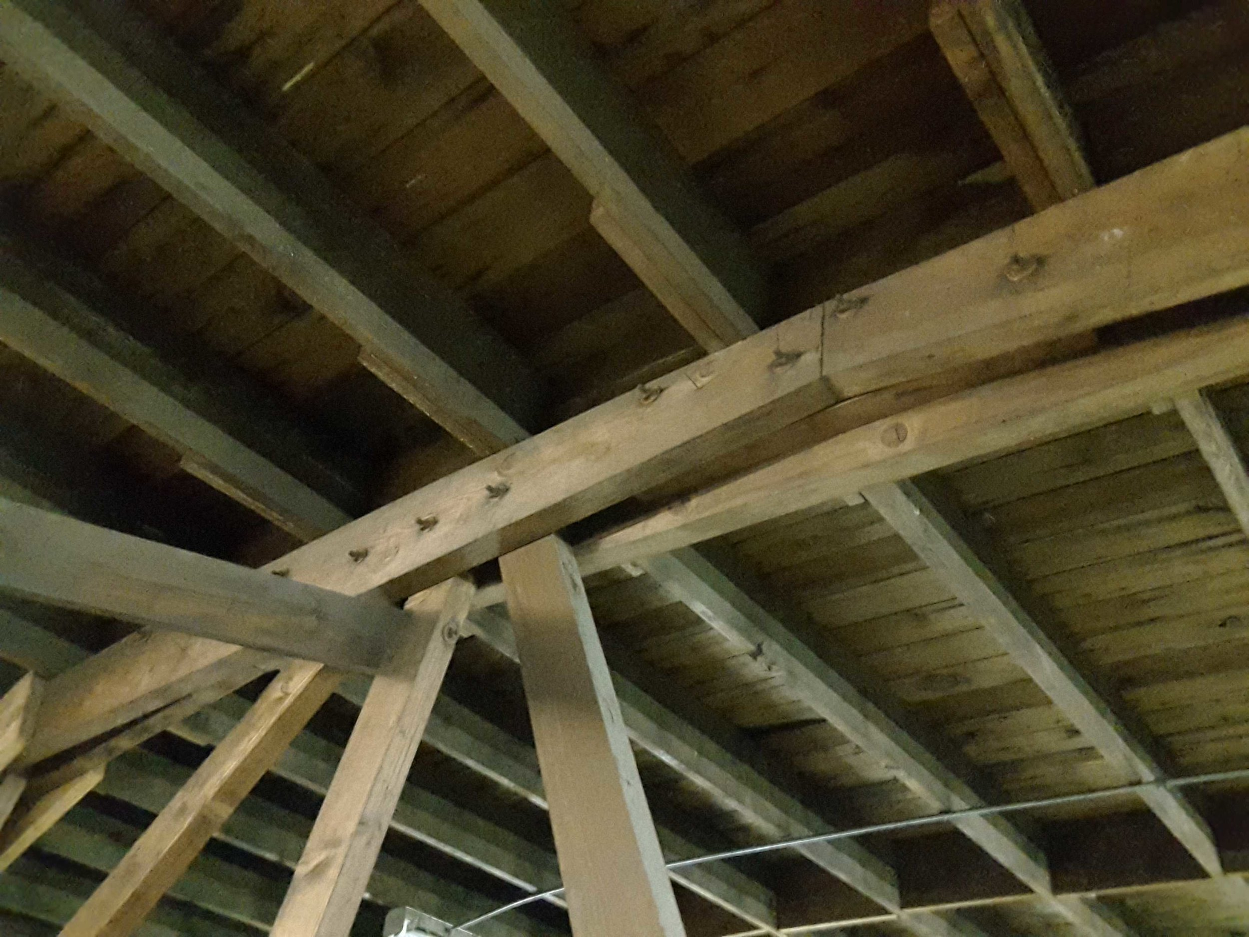 Top Timber of Bowstring Roof