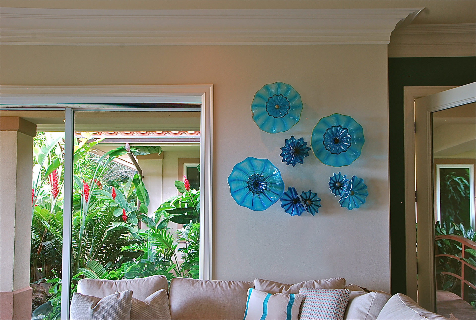 Tropical Turquoise Rondel Wall Splash