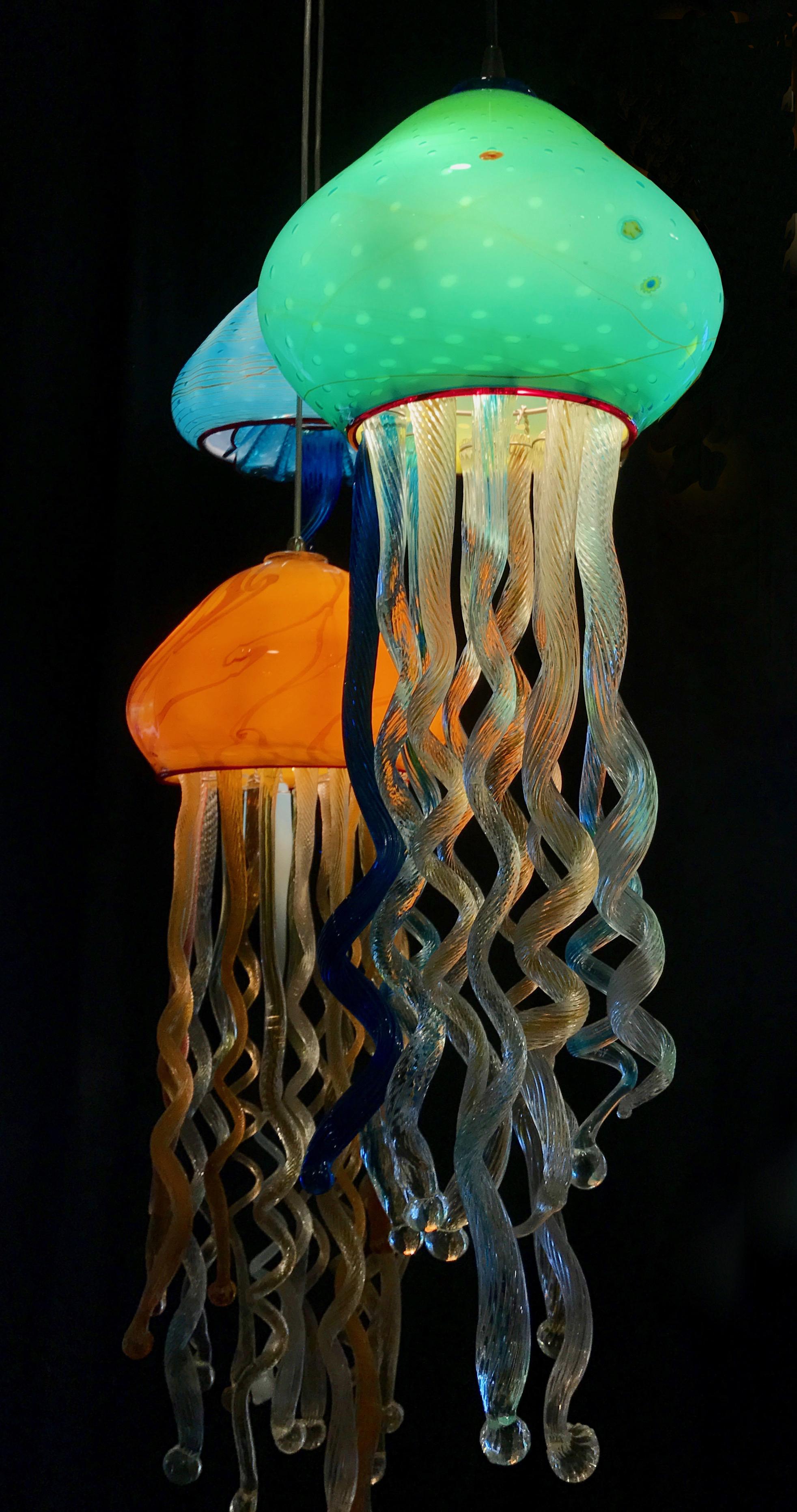 The smaller opening is way more pleasing. Aquarium JellyfishRick Strini2017