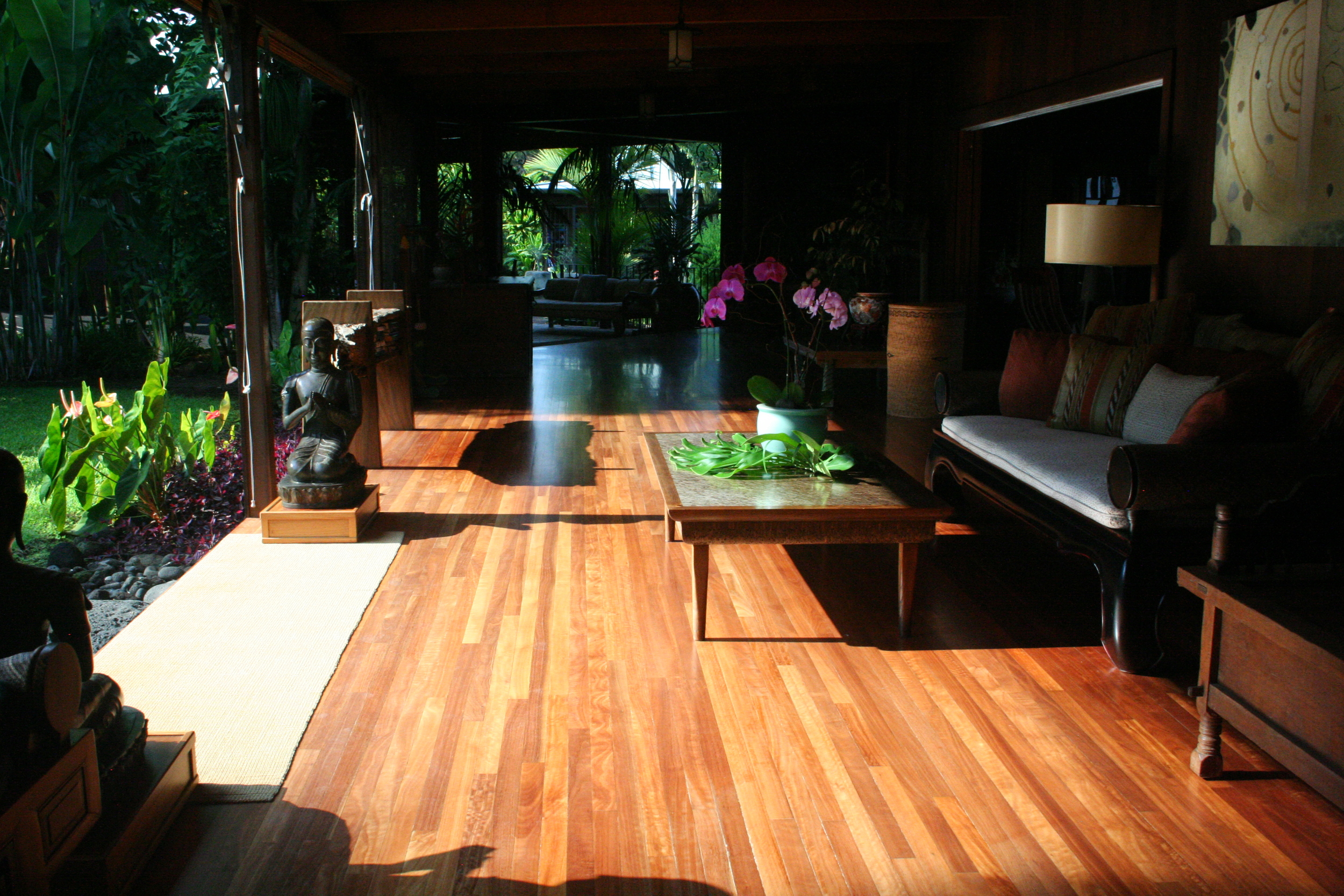 Zen-inspired lanai at Holualoa Inn