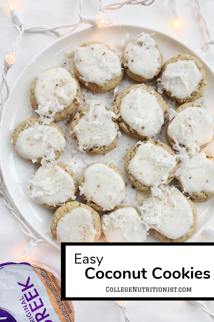Coconut cookies with coconut icing made with yogurt
