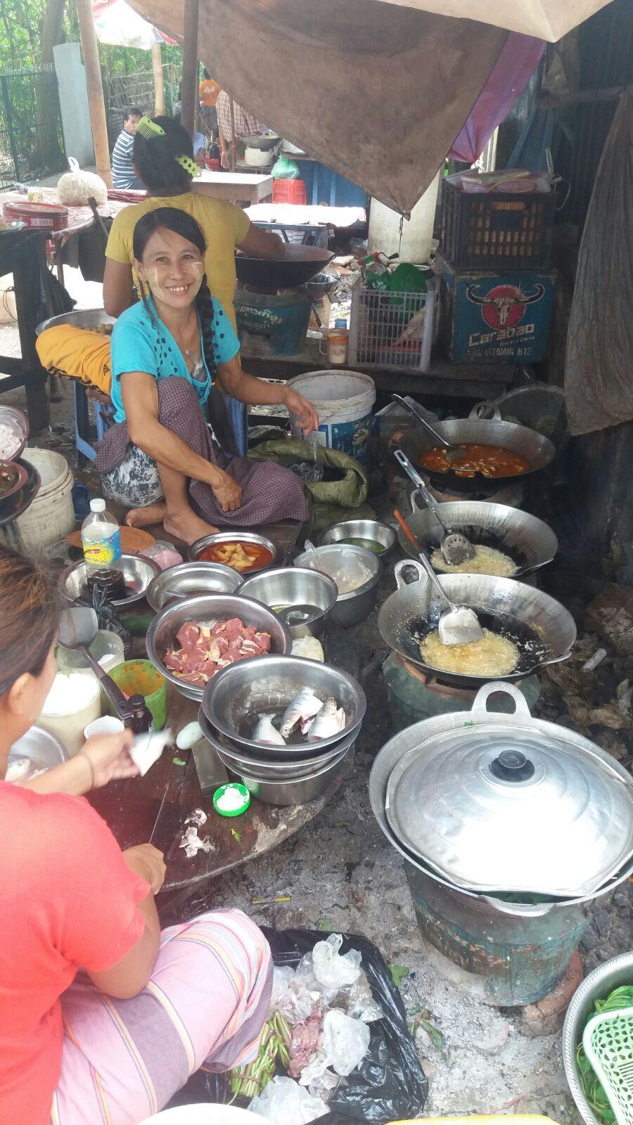 Street food, Myanmar-style.