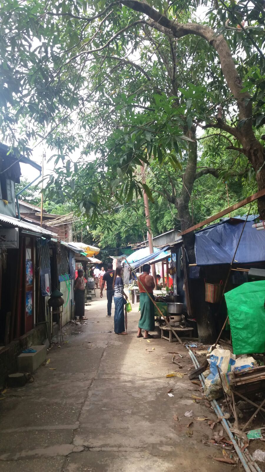 Daily goings-on at the wet market.