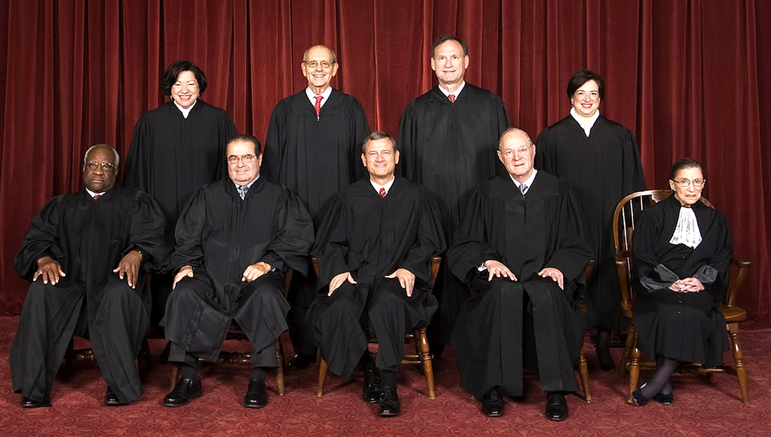 By Steve Petteway, Collection of the Supreme Court of the United States (Roberts Court (2010-) - The Oyez Project) [Public domain], via Wikimedia Commons.