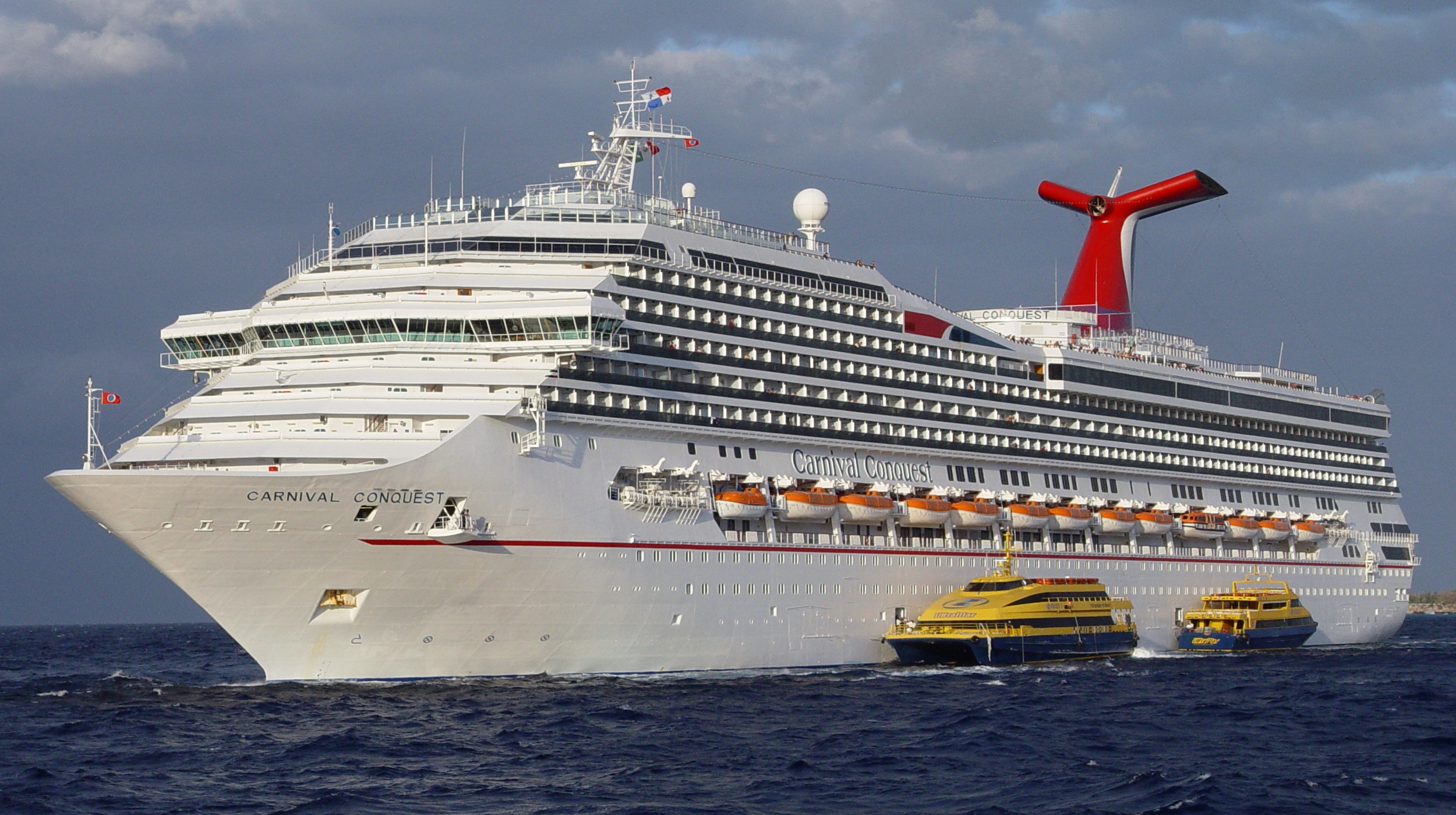By Derek Kastner from Reston, VA, USA (Carnival Conquest VII) [CC BY 2.0 (http://creativecommons.org/licenses/by/2.0)], via  Wikimedia Commons .