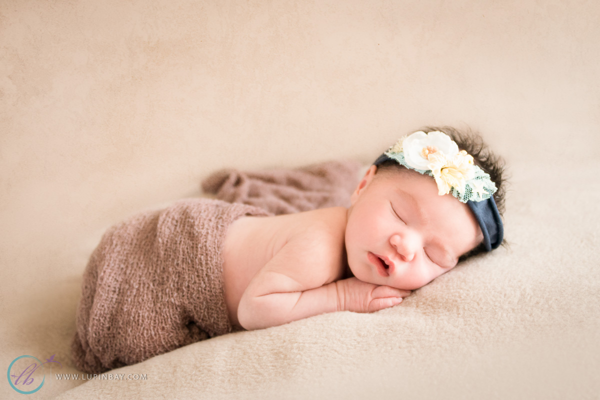 LupinBay_0090_Newborn_Baby_7366.jpg