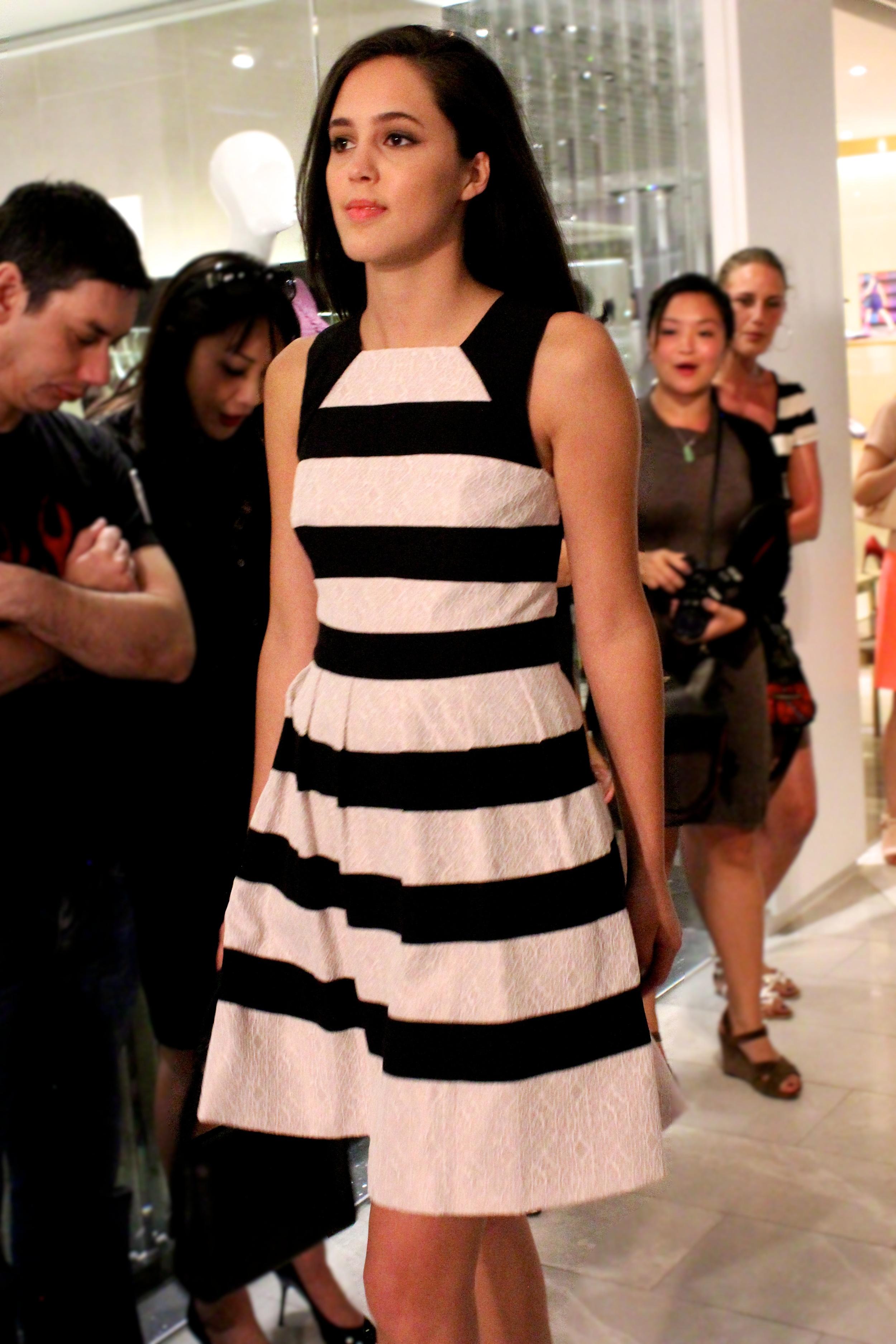 Dress: Lace stripe dress