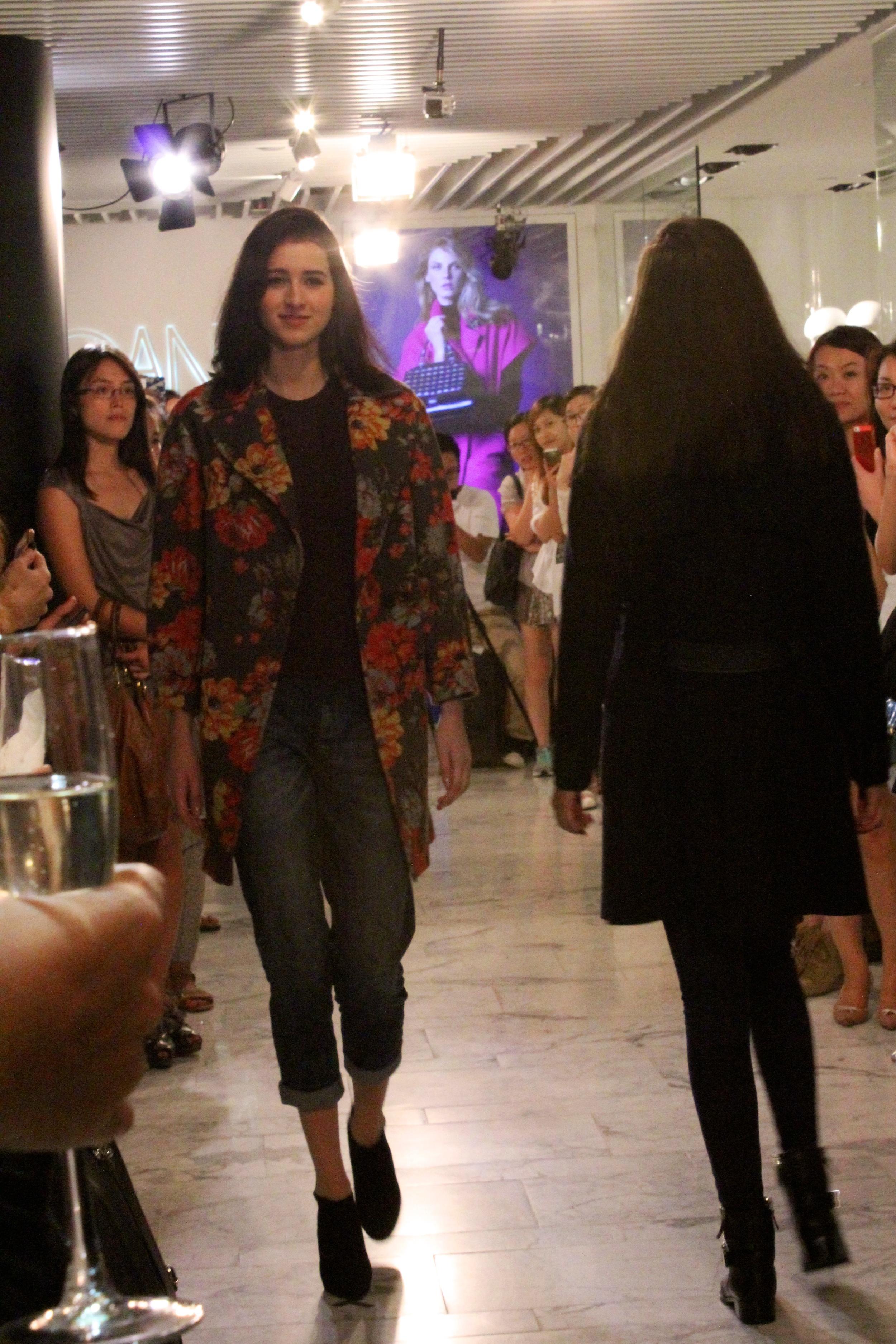 Jacket:  Floral print oversized coat   (seen on VOGUE)  Jeans:   Vintage indigo skinny jean
