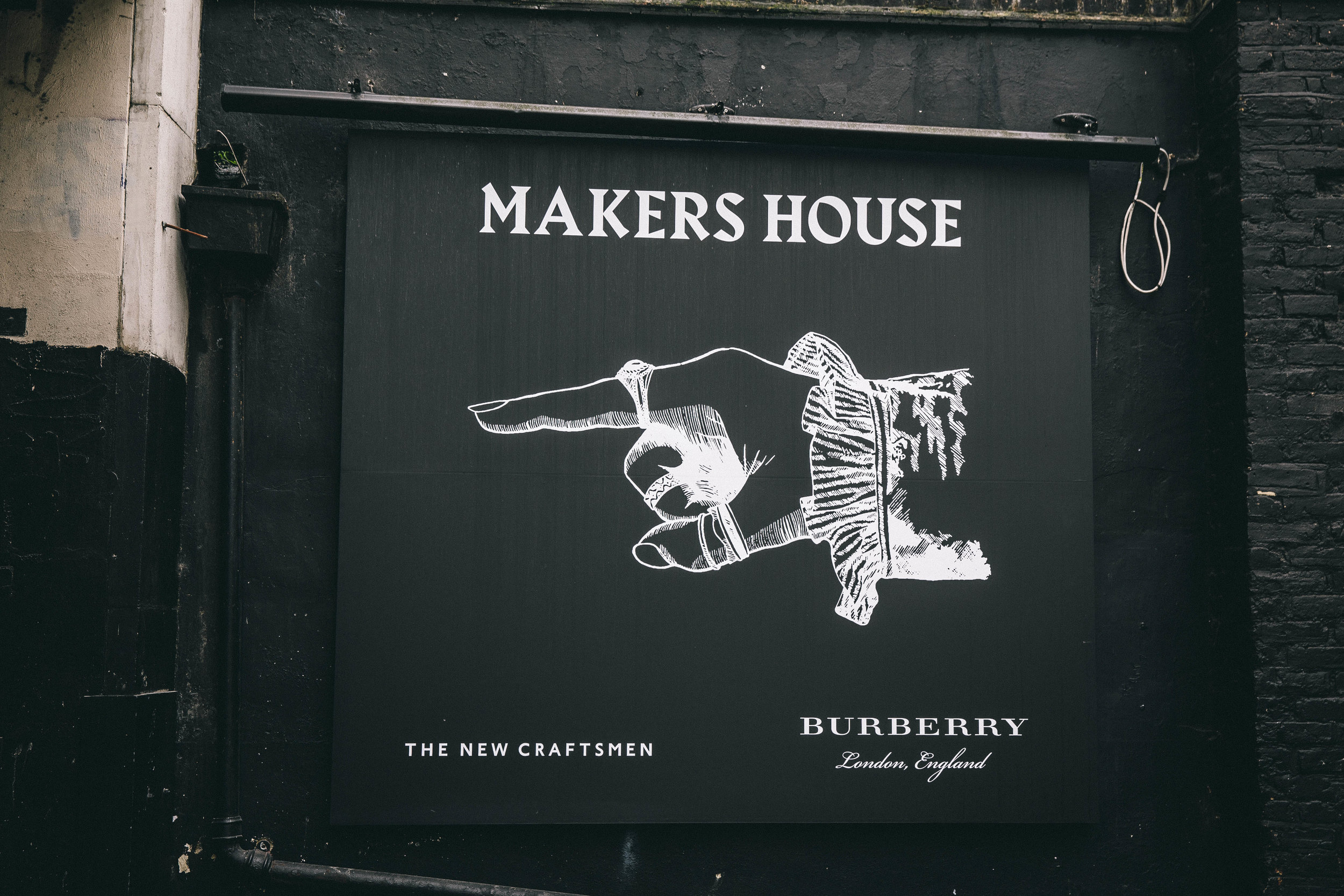 BURBERRY_MAKERSHOUSE_01.jpg