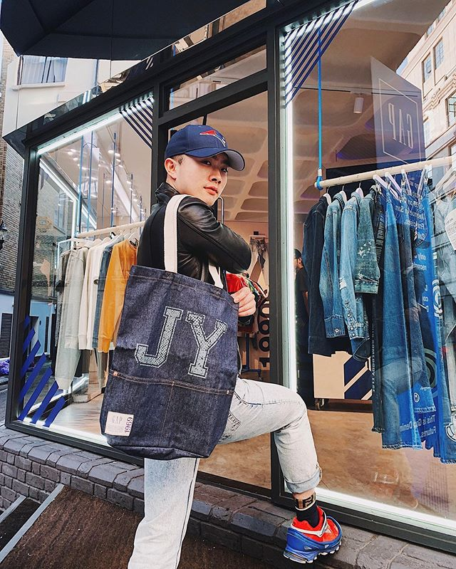 2019: 18/9 All things personalised? Yes please! Celebrating @gap 50th anniversary, the Soho pop-up offers a range of customisation including denim tattooing, hemming and distressing. The best part? The customisation process is complimentary. Let me know what you'd personalise #GapDenimFutures