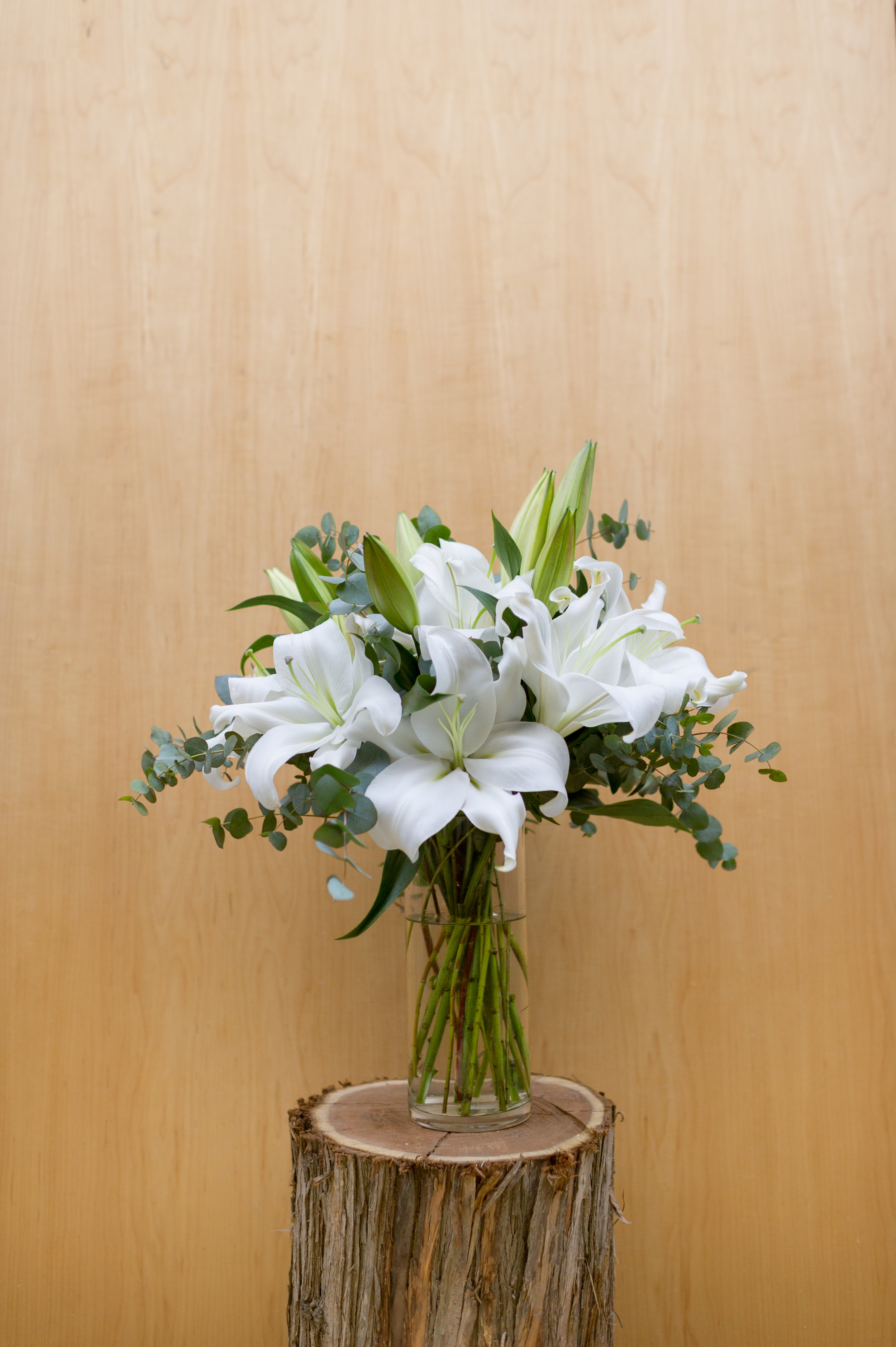 BD32 Classic Lilies