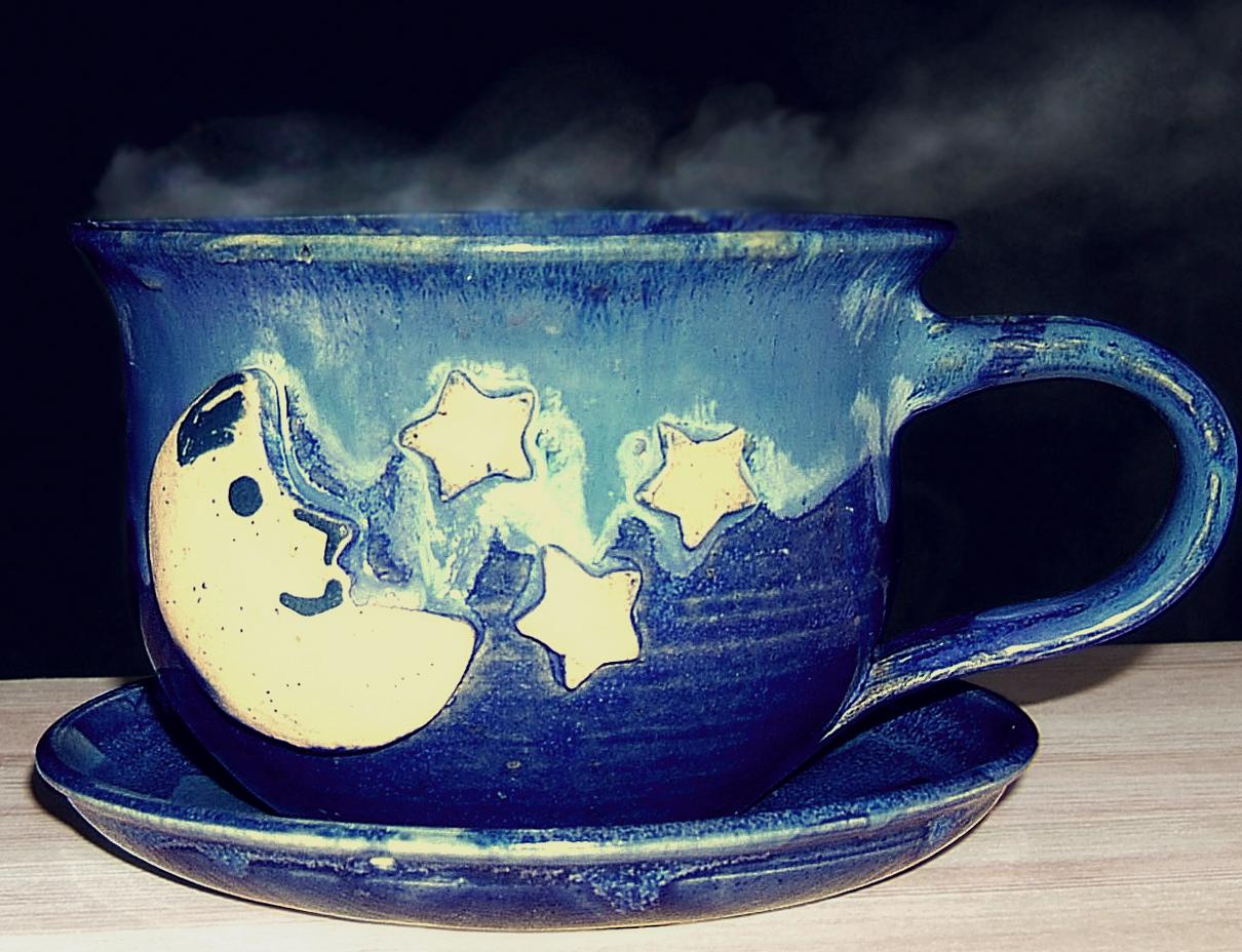 Drei Mal täglich eine große Tasse des Vier-Komponenten Tees kann das Schwitzen ganz stoppen.
