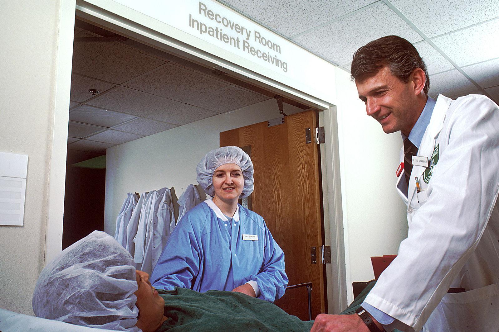 Ärzte handeln meistens nach Leitlinien. Diese werden von Fachverbänden herausgegeben.