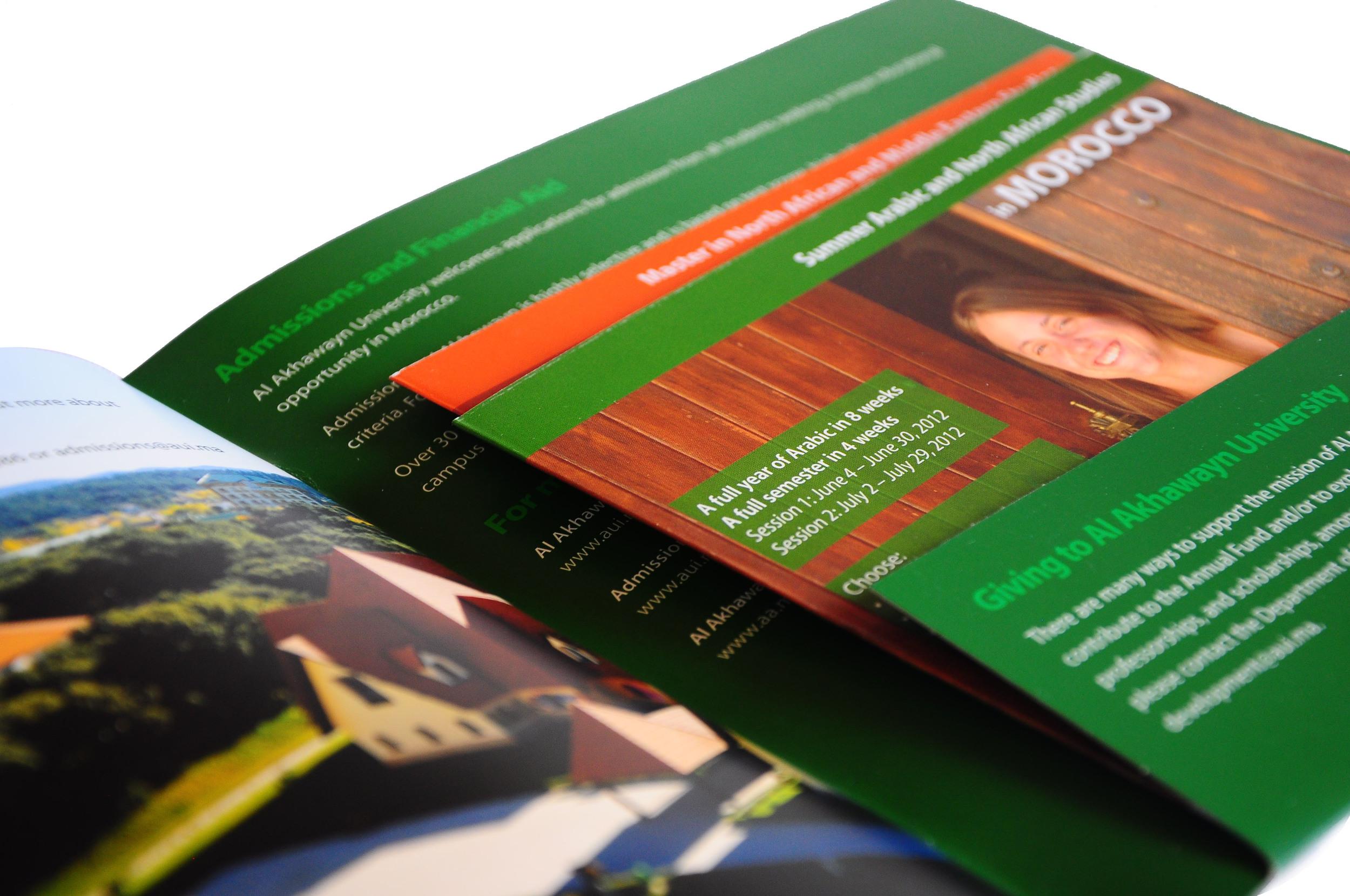 Brochure pocket.jpg