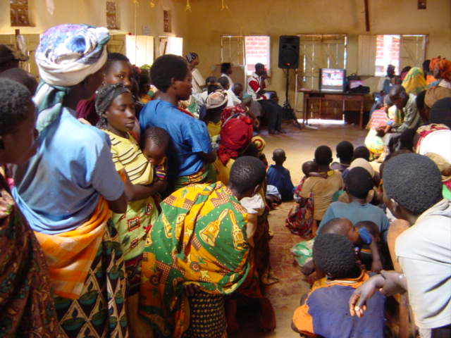 2004 Tanzania HIV screening.JPG