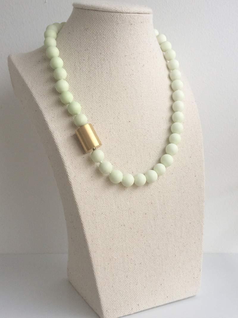Lemon chrysoprasse necklace with  large gold cylinder  clasp
