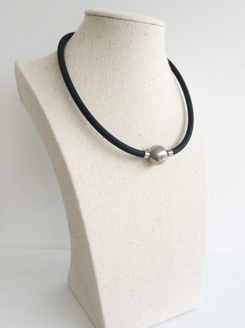 Black rubber interchangeable necklet with 16mm steel ball clasp