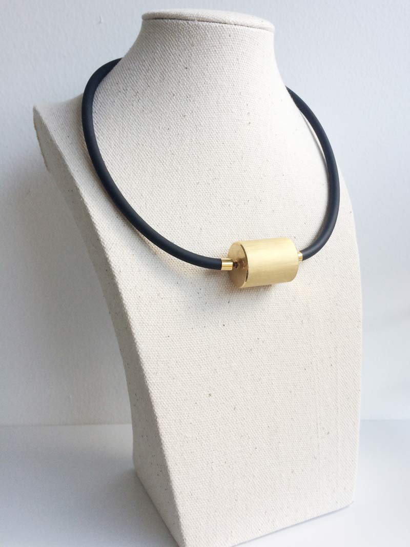 Black rubber with XL gold cylinder clasp