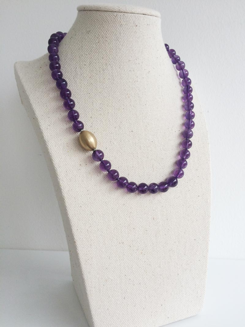 8mm amethyst necklace with removable gold ovoid feature clasp