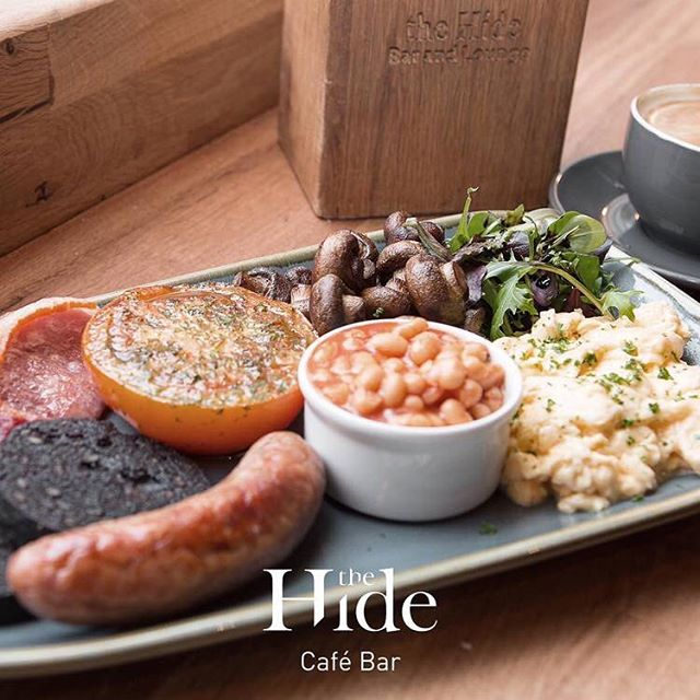 Don't let any dodgy BH weather put you off an early rise and a great start to your day. Pop in, say hello and get kick started. Bangerzzzzz! #hidebrekkie #bankholidaybrekkie #ampthill #thehideampthill