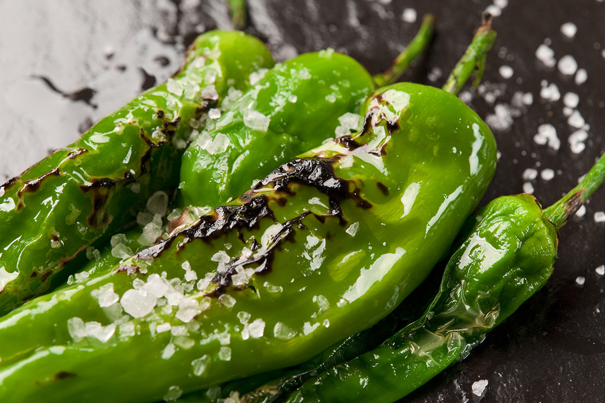 Pimientos del Padrón - Delicious fried Padron peppers with coarse salt.