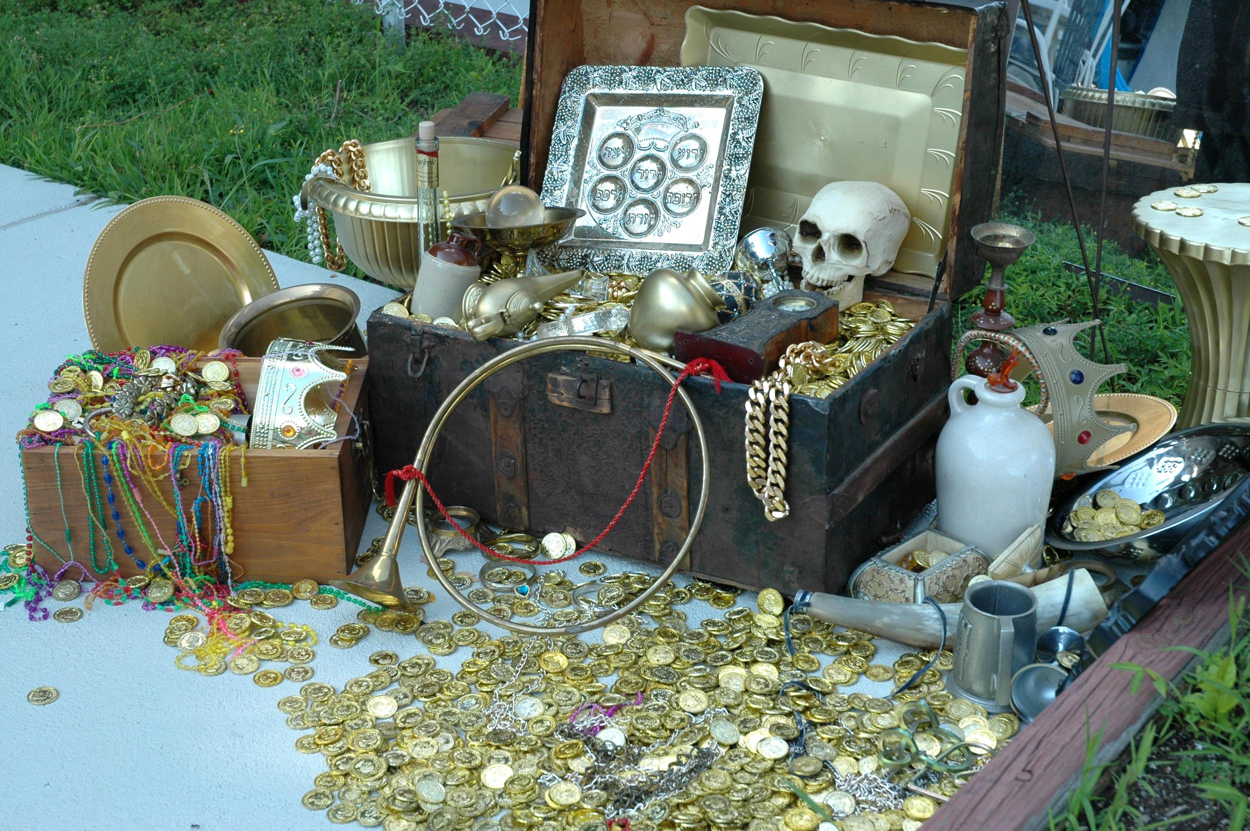 Treasure cu.JPG