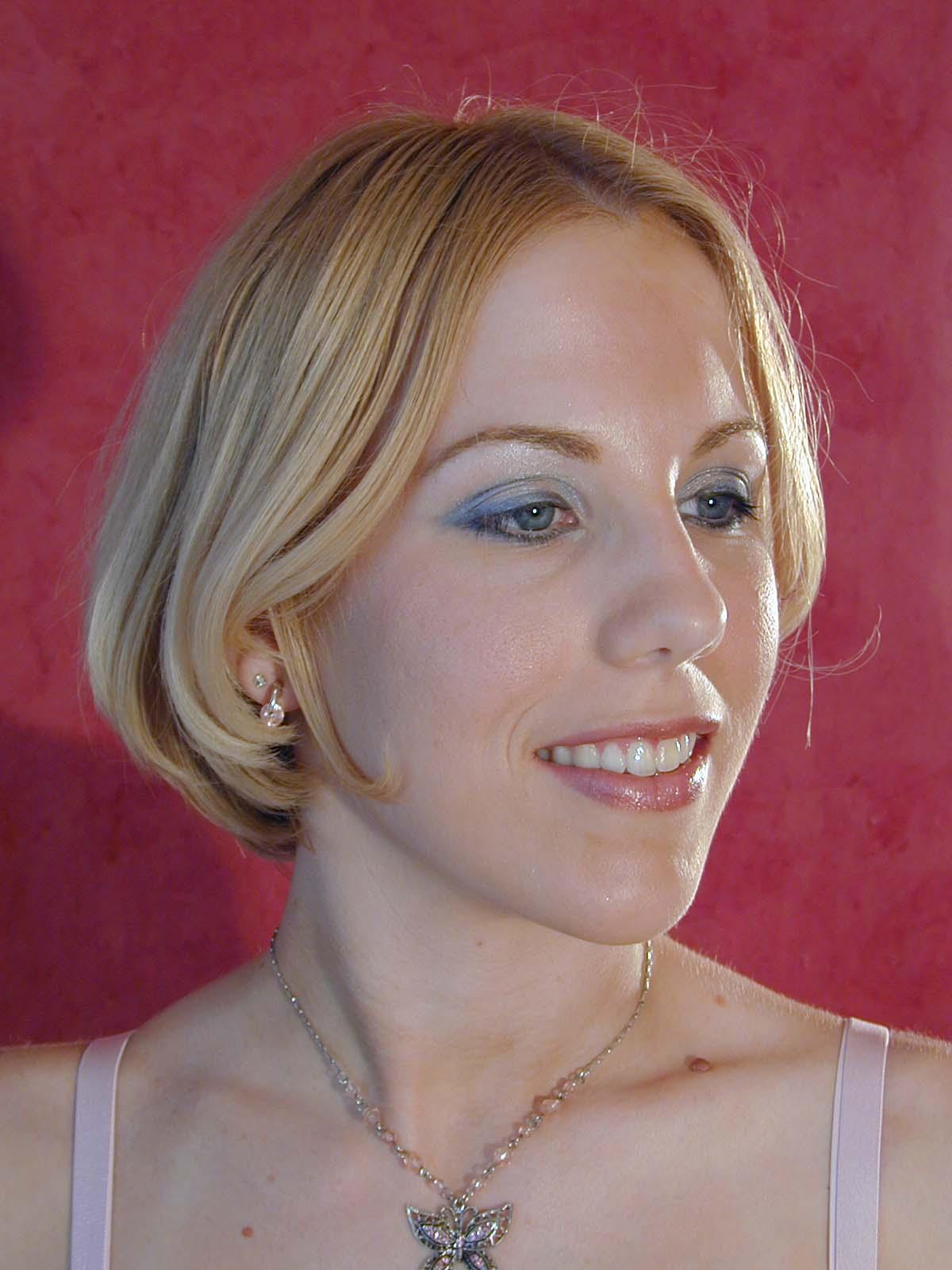 Jessie Headshot.jpg