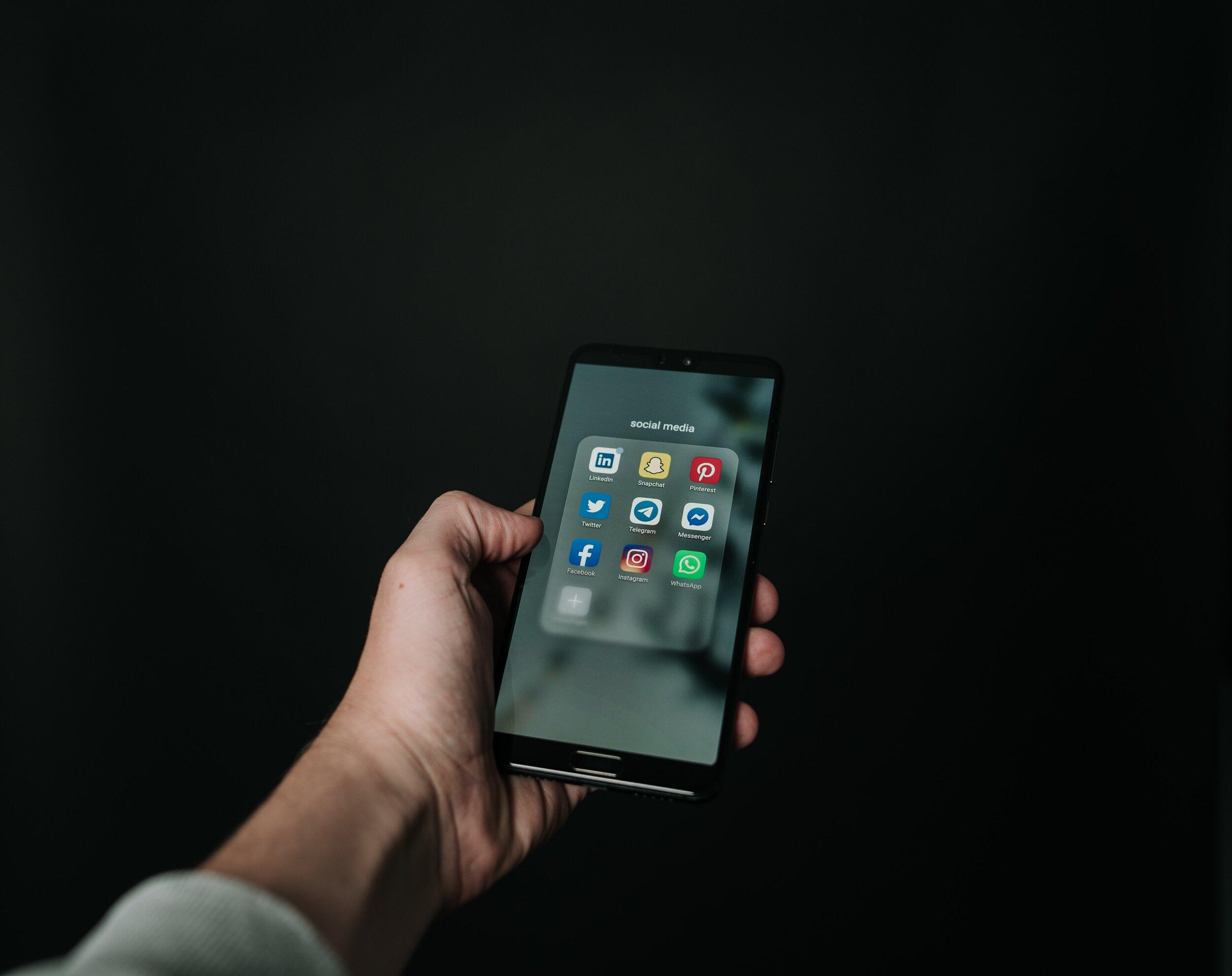 Benefits-of-Social-Media-Customer-Service.jpg