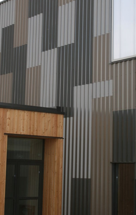 accessories-exterior-architecture-good-looking-black-and-brown-metal-wall-cladding-for-tall-building-also-brown-wood-wall-siding-house-in-exterior-design-ideas-with-corrugated-metal-cladding-decorati.jpg