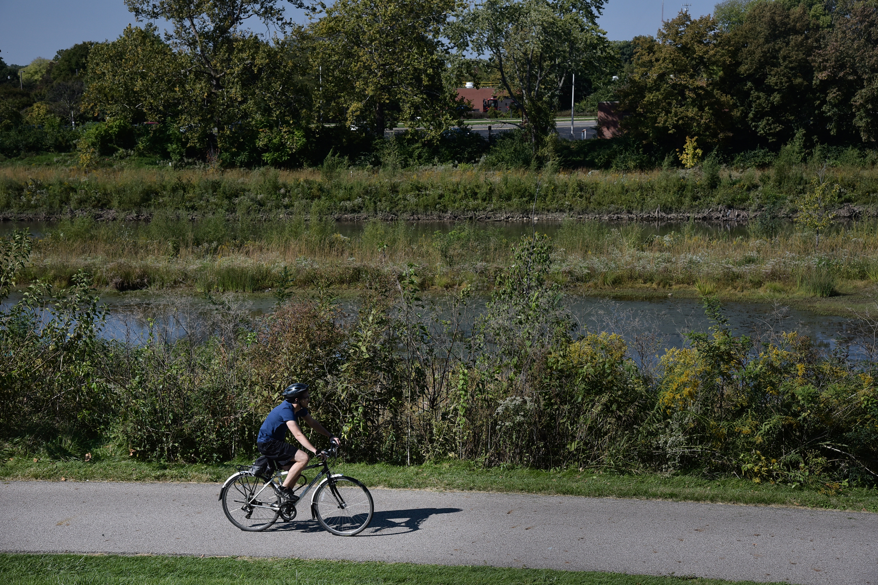 The Olentangy Trail runs the length of the river from downtown Columbus to the suburb of Worthington. This popular multi-use trail connects several parks and green spaces and can be accessed at just about any cross street. Be sure to take in the beautiful views of the Olentangy along the way!   Map & Info
