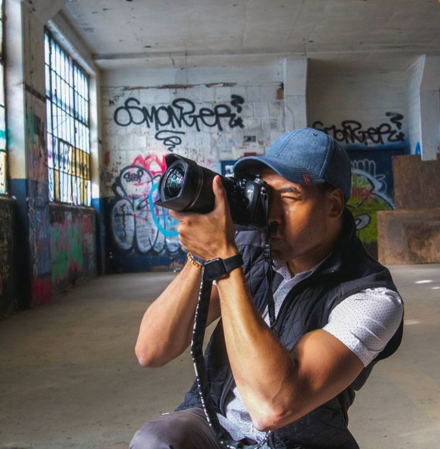 Trying to get back to shooting 📸 since though video has been taking over as of late. Hitting that shutter button always feels so damn good!  #photography #streetphotography. ➡️ photo by @mista_pratt